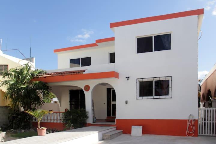 2-Bedroom House near the Playa.