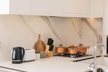 KITCHEN WITH FULL COOKWARE