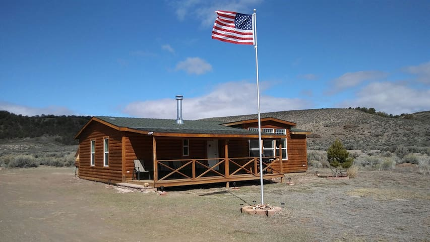 Off the Grid in Rock Canyon near Bryce/Zion - Panguitch - House