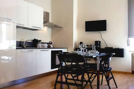 Lilly Rose Apartment - Huoneisto