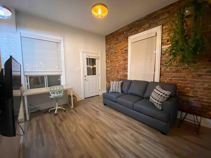 Boutique 1 Bedroom Apartment w/ Private Entrance