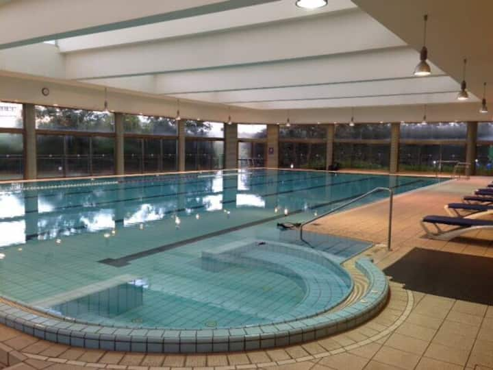 Luxury 2bd tower pool gym sea view from balcony!