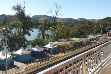 Linda Vista p/ o Lago e Parque das Águas no miolo - São Lourenço