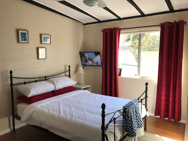 Vincentia Guest Room (without kitchen)