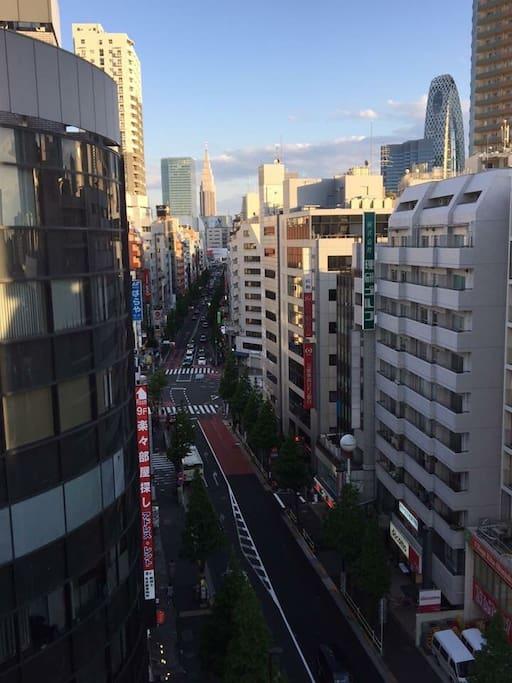 Shinjuku skyscrapers are this close.