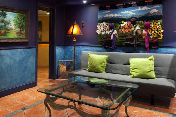 Dupont - Scandinavian Cafe & Garden Apartment