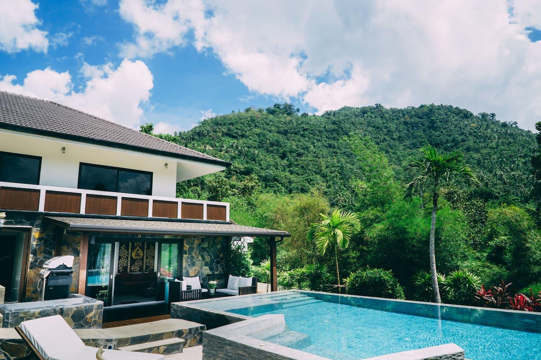 Villa au coeur d'une plantation cocotiers, à proximité de tous les commerces et de la plage.
