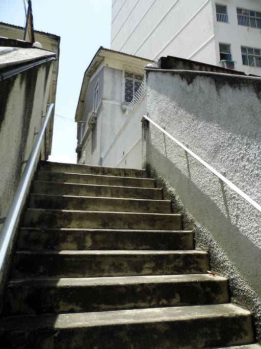 Little stairs after second gate