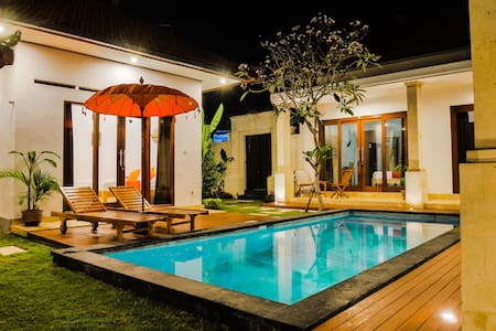 Villa Madalena - Cosy bedroom close to the beach - Canggu