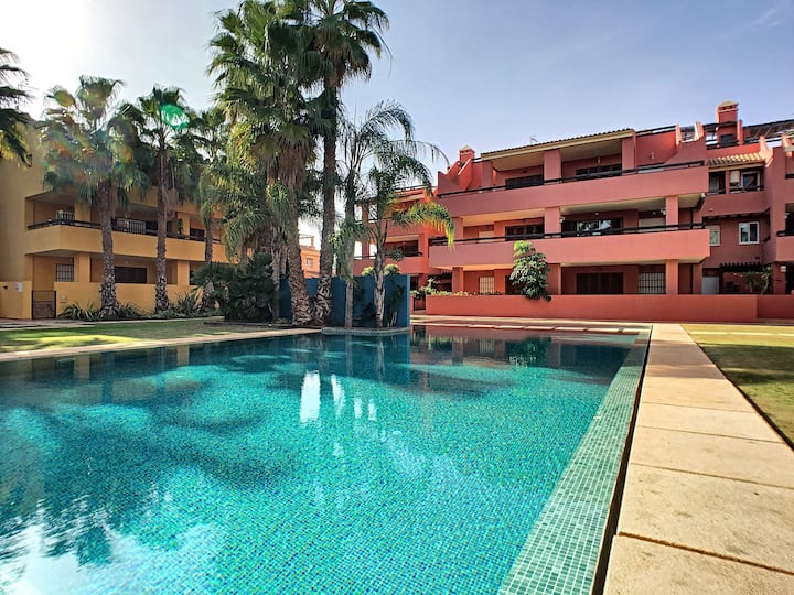 pool view apartment, free wifi, balcony