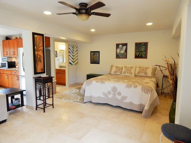 Luxury Studio walking distance to the Beach! - Haleiwa - Appartement