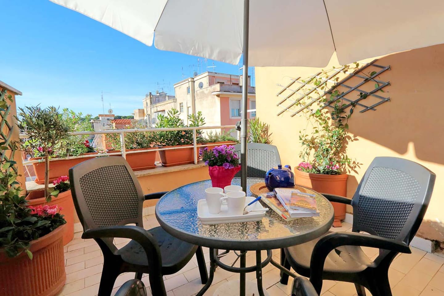 One bedroom holiday apartment near the Coliseum - Terrace