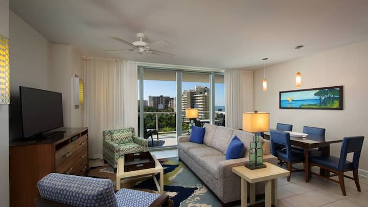 Marriott Crystal Shores Villa 2BR/2BA max 8