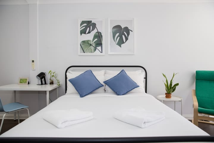 Get a great night's rest in the comfortable master queen bed topped with hotel quality linen for your stay.