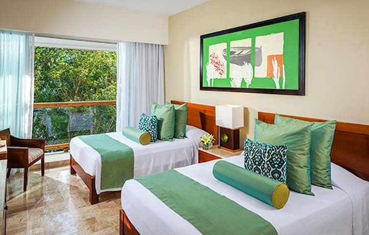 Room for 2 adults + 2 kids | Vidanta Mayan Palace