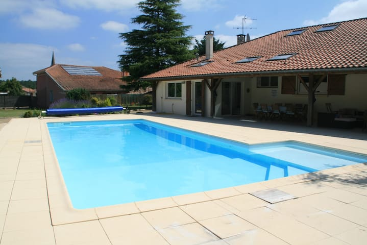 Large renovated villa with pool in SW France - Laluque - House