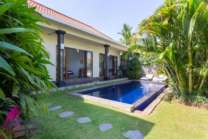 Entire Villa, great location!  Read our reviews