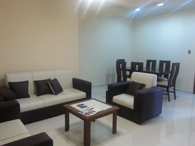 Judy's Shared Apartment - Spacious & Comfy Bd#2 - Sucre - Daire
