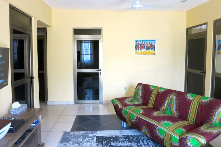 Homely Room in Apartment close to Beach & Central