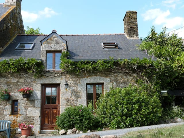 Charming cottage in rural Brittany - Plumeliau