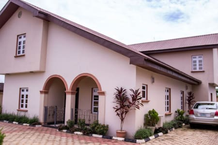 Modern 4 Bedroom duplex en suite at Oluyole Ibadan