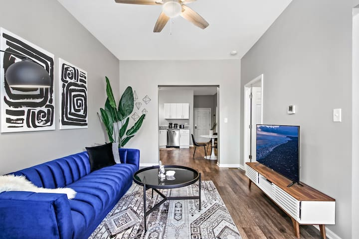 Safe place for $2150 MAY Rates Hip 2BR Logan Sq