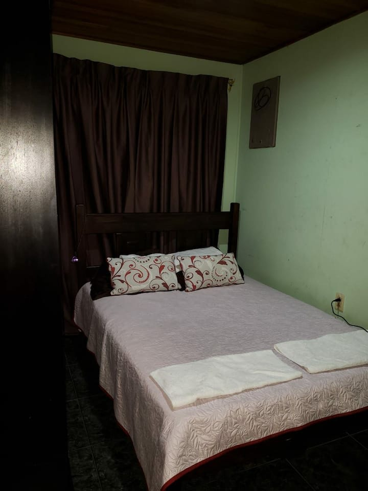 Guest House Arenal Room 102