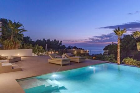 casa de lujo con vista al mar puerto andratx