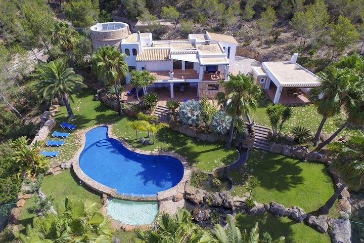 Splendid villa set in the hills of Santa Eulalia