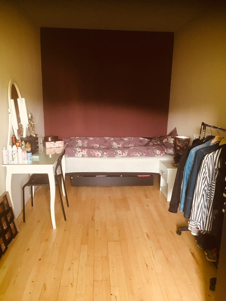 Nice cosy female room in Copenhagen center
