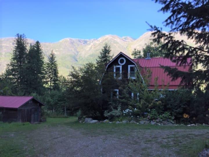 The Lakehouse on Arrow Lake
