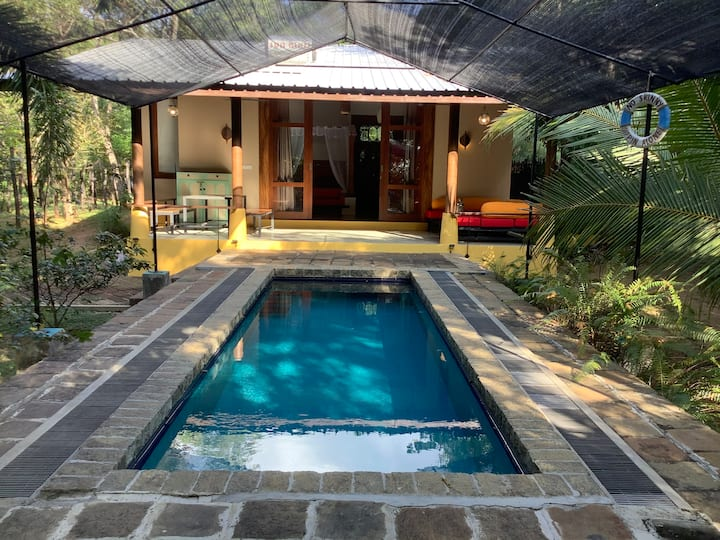 Dambulla Nature Chalet 2 -with private plunge pool