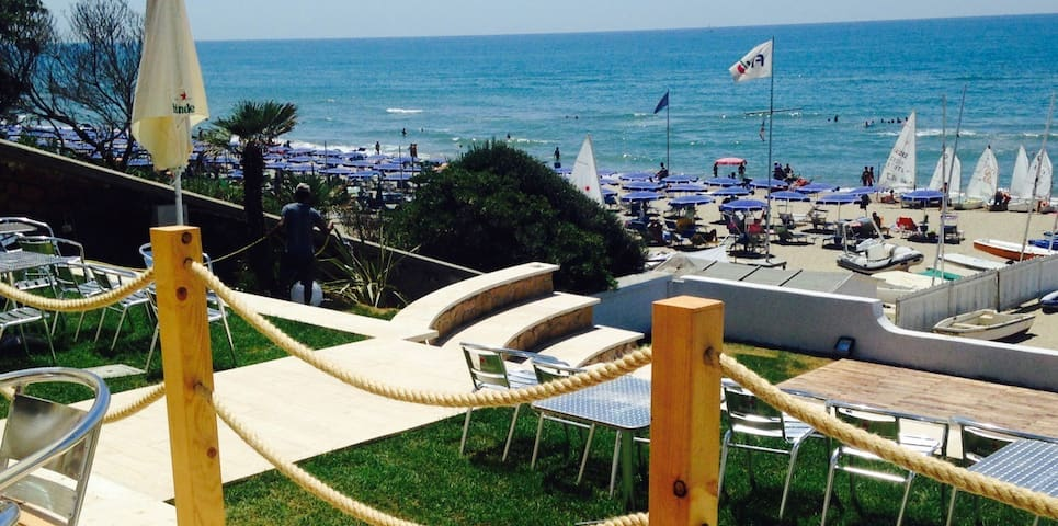 1. floor apartment + 40 m2 terrasse - Anzio - Apartment
