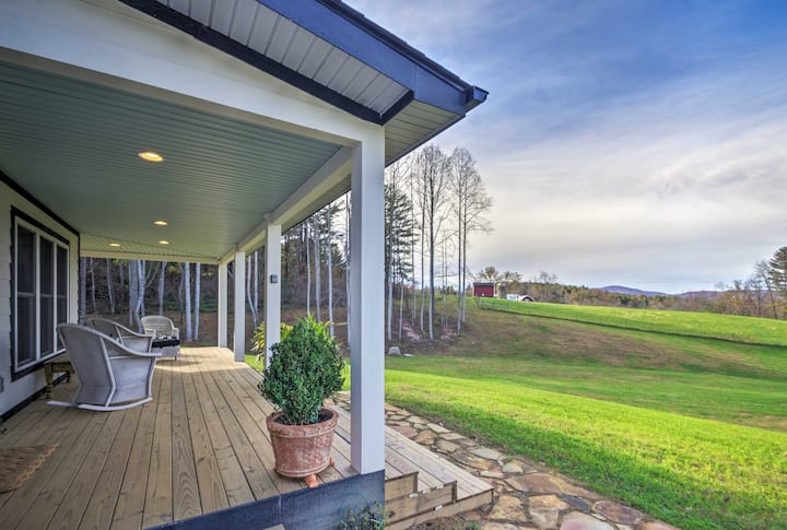Charming Fairview Home on 40-Acre Horse Farm!