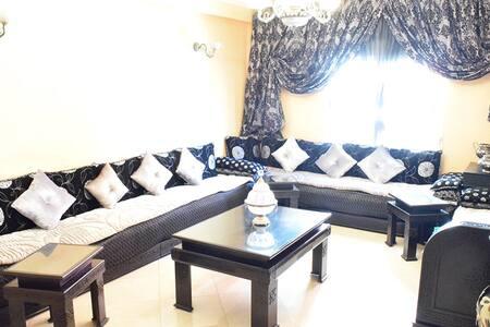 Cosy and spacious Moroccan Room - Rabat