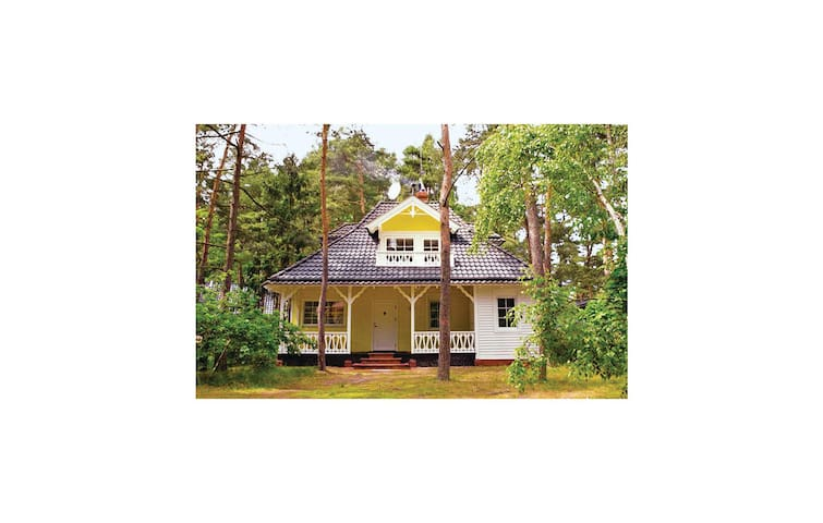Holiday cottage with 4 bedrooms on 120m² in Pobierowo
