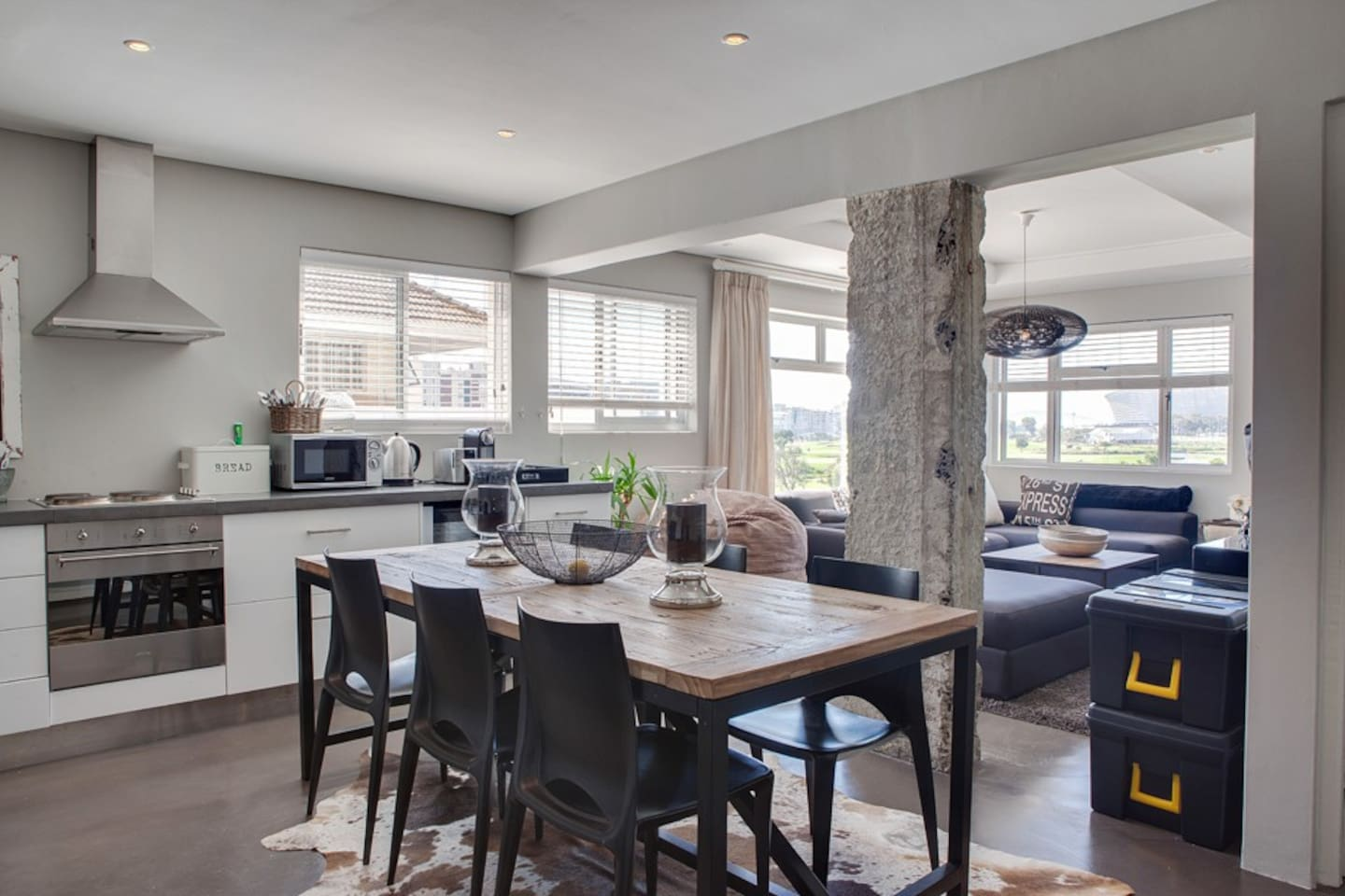 Open plan dining in style and comfort
