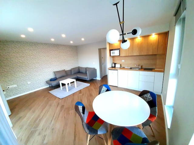 """""""The House"""" NEW & Comfy apartment"""