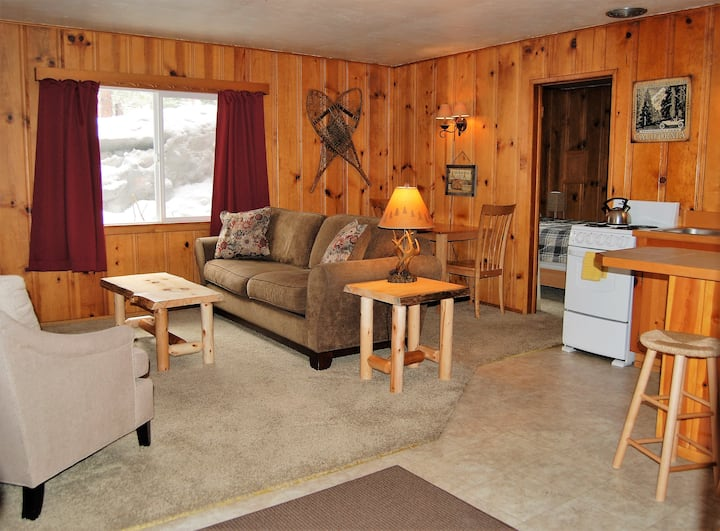 EDELWEISS LODGE ONE BEDROOM QUEEN- SLEEPS 4