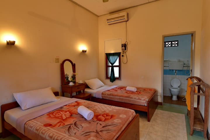 Backpacker's Choice (Double/Twin) - Nyaung-U - Bed & Breakfast