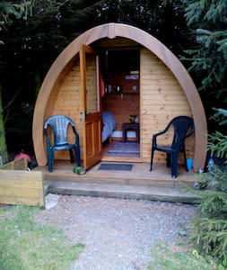 Cosy cabin for 2 + people + camping - Kirkcolm - Cabin