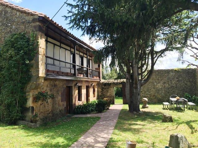 ENCANTADORA CASA EN VILLANUEVA - Villanueva - Hus