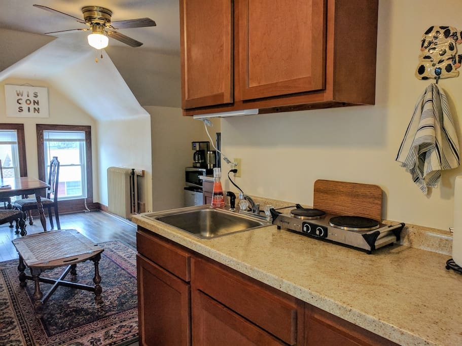 Lovely 3 Bedroom Suite Near Madison Zoo Apartments For Rent In Madison Wisconsin United States