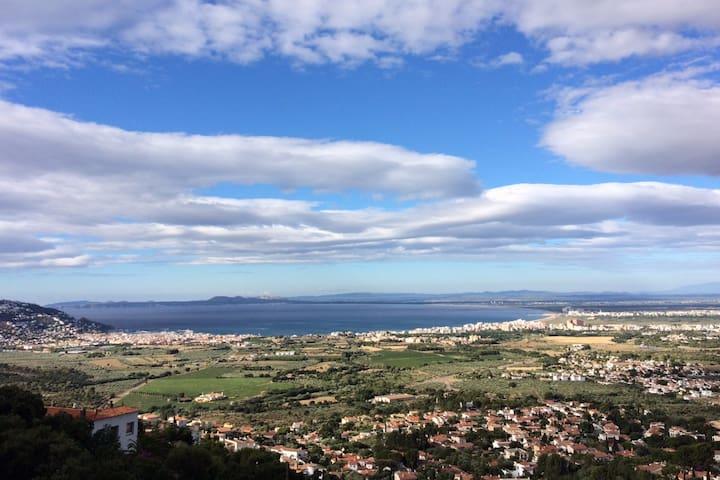 Villa Bella Vista-Stunning Sea View, Wifi, Aircon