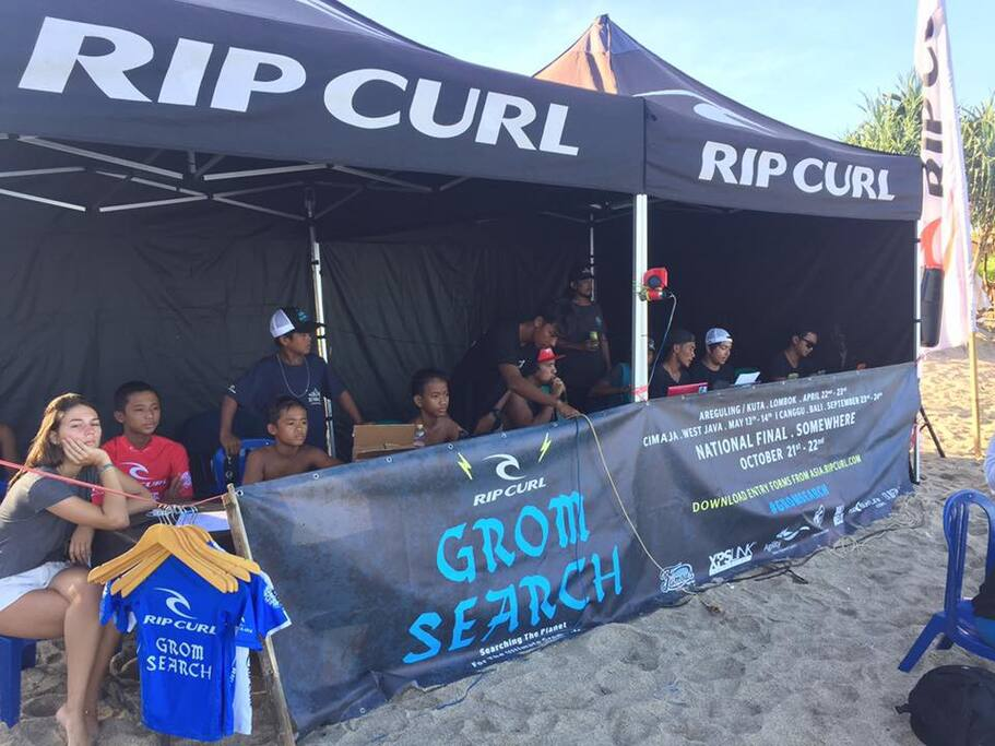 Surf Competition by Ripcul Gromesearch
