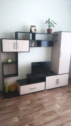 This is a closet, which you can use to store clothes and other things. There is also TV with a lot of interesting channels. Это шкаф, здесь вы можете хранить одежду и другое. Так же имеется телевизор со множеством интересных каналов.
