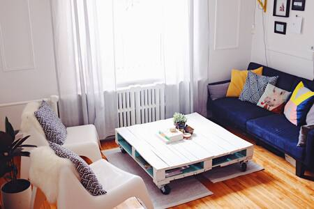 Sunny Room in vibrant Mile End - Montréal - Apartment