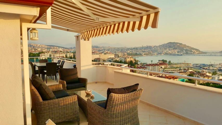 EXCELLENT SEA&SUNSET VIEW PENTHOUSE AT MARINA - TR - Loft-asunto