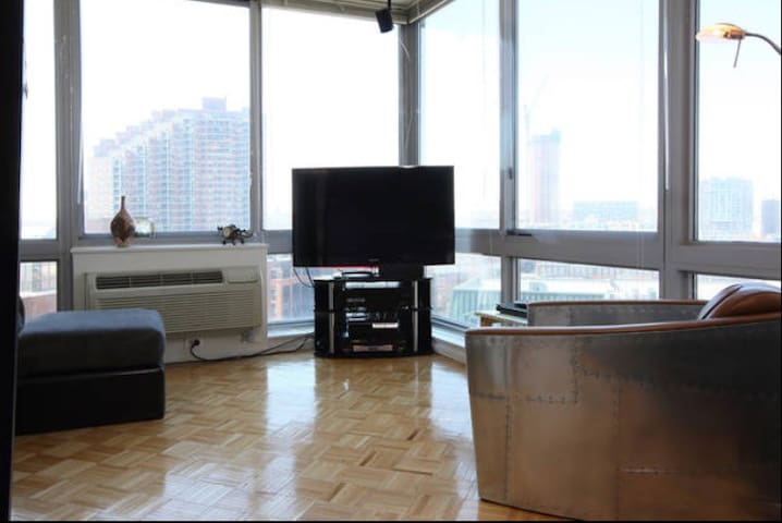 Waterfront Luxury Modern Floor to Ceiling Window - Jersey City - Appartement