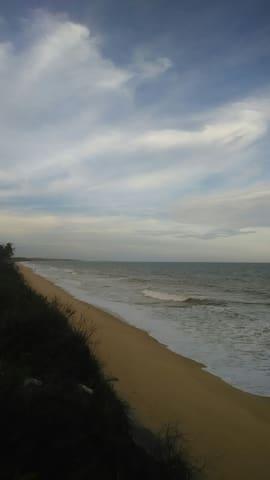 Ampla casa a beira mar tranquilidade,  e conforto
